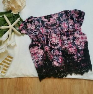*Jessica Simpson Floral Long Lace Crop Top*